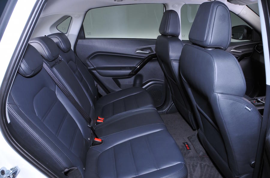 MG GS Exclusive DCT rear seats