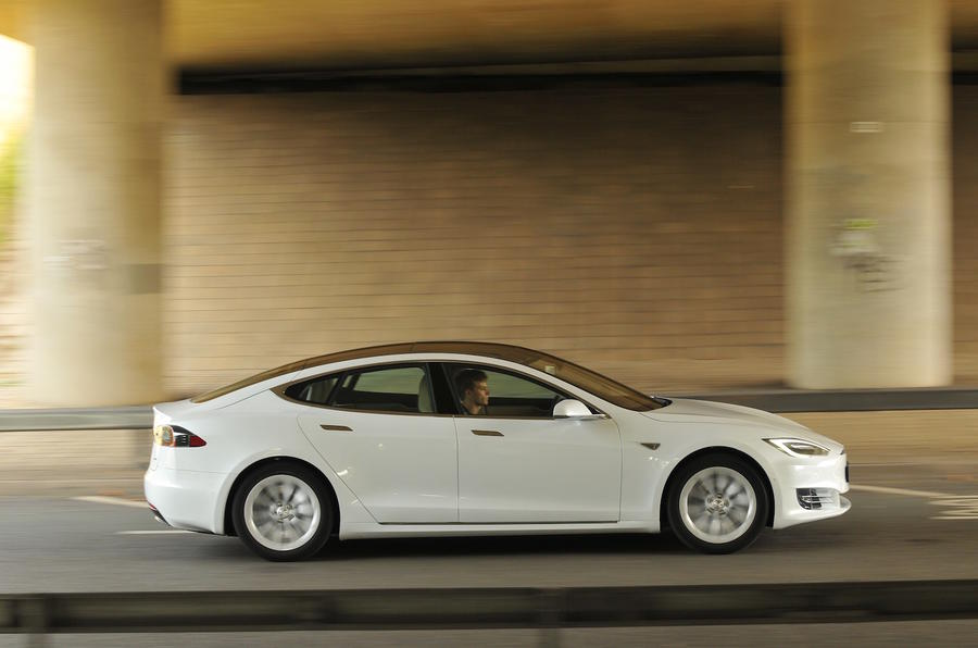 Tesla Model S 60D side profile