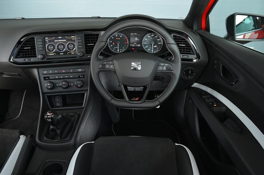 Seat Leon Cupra 290 dashboard