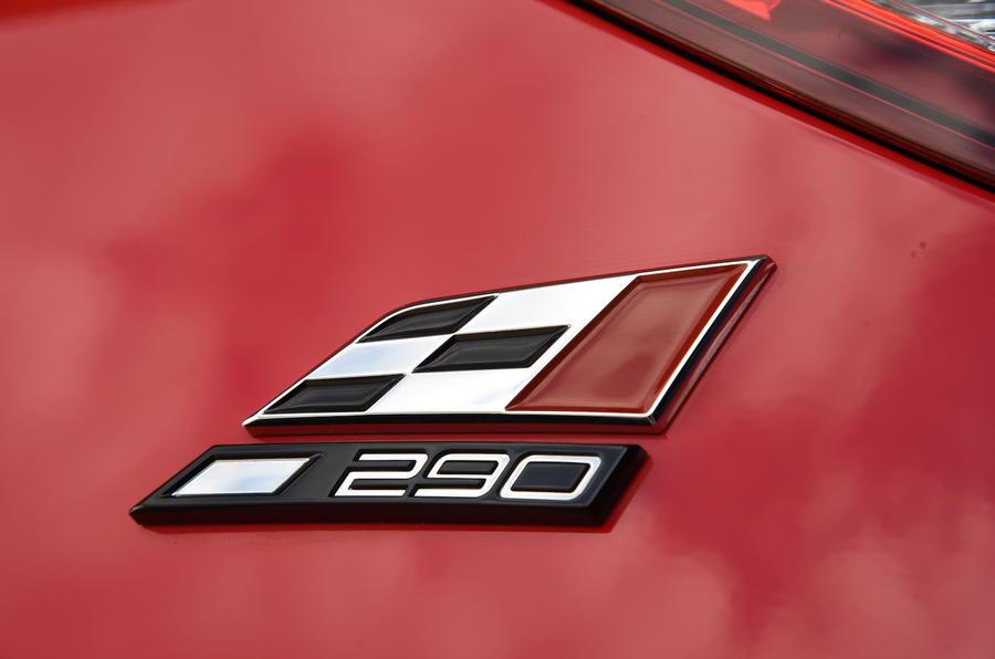 Seat Leon Cupra 290 badging