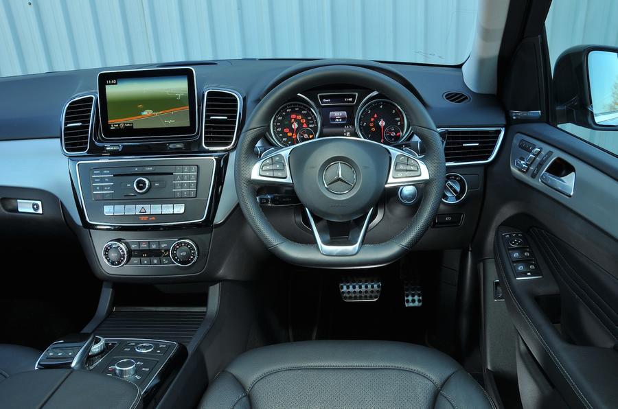 Mercedes-Benz GLE 350 d dashboard