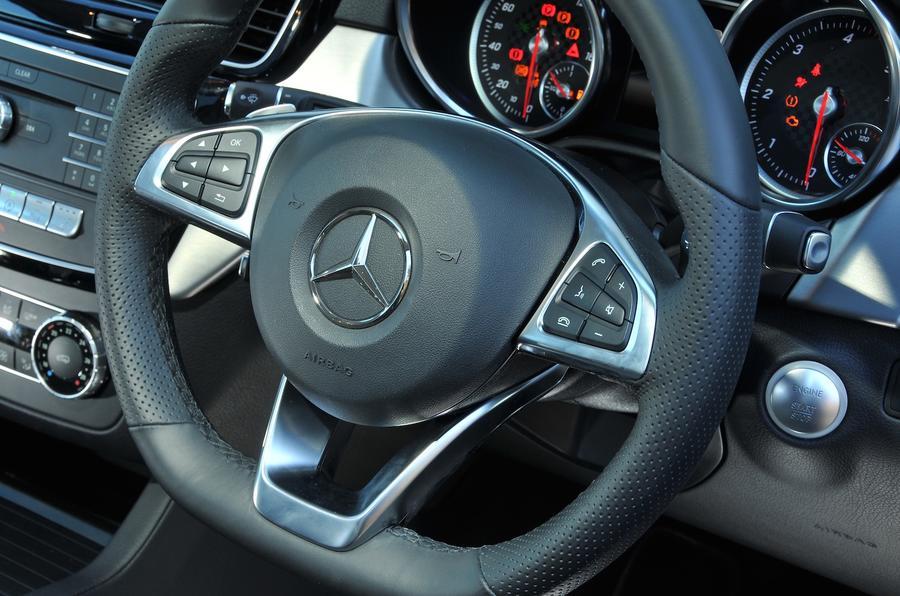 Mercedes-Benz GLE350 d steering wheel