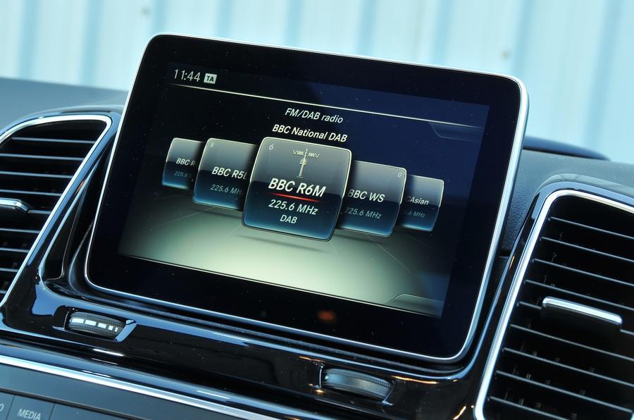 Mercedes-Benz GLE350 d infotainment