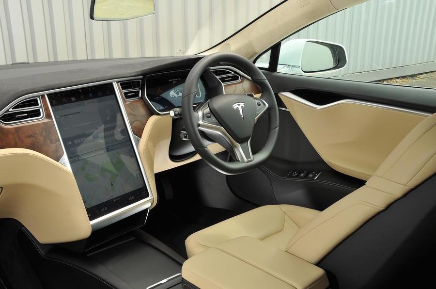 2016 tesla model s 60d review review autocar for Interieur tesla model s