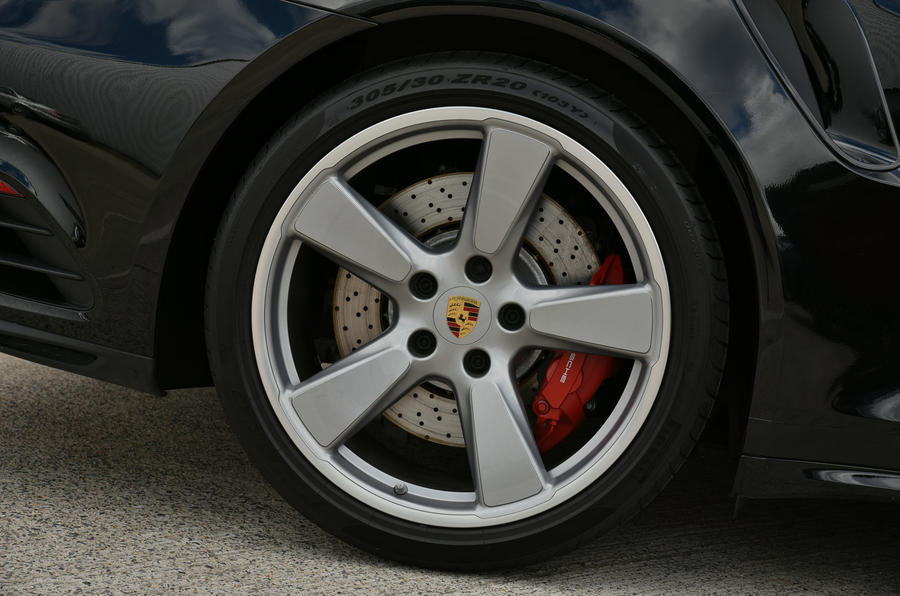 Porsche 911 Turbo Cabriolet alloys