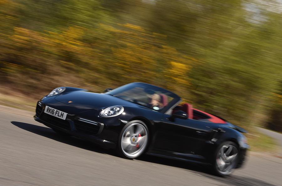 Porsche 911 Turbo Cabriolet cornering