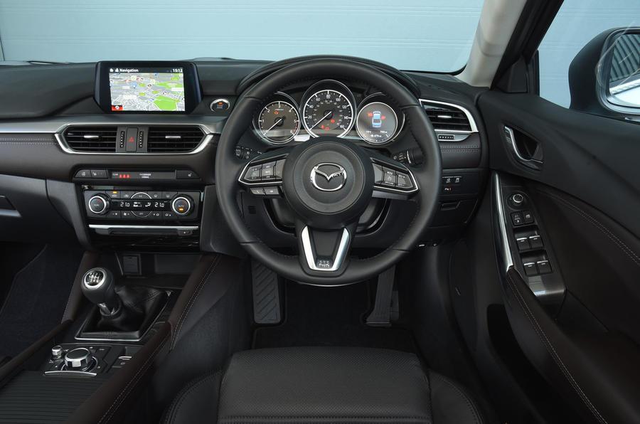 Mazda 6 dashboard