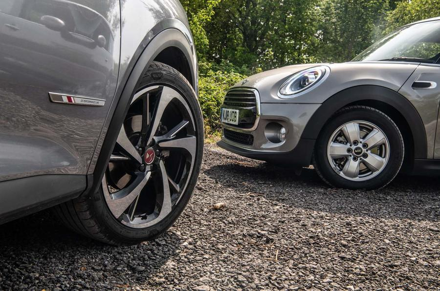 DS 7 Crossback vs Mini Cooper