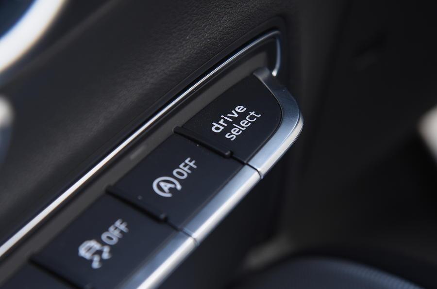 Audi TT dynamic controls