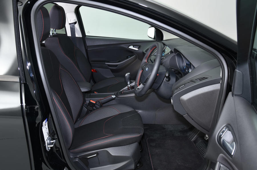 Ford Focus Black Edition interior