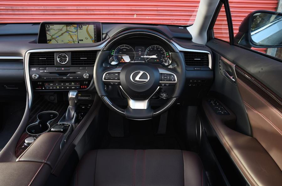 Lexus RX450h Premier dashboard