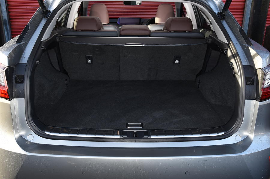 Lexus RX450h boot space
