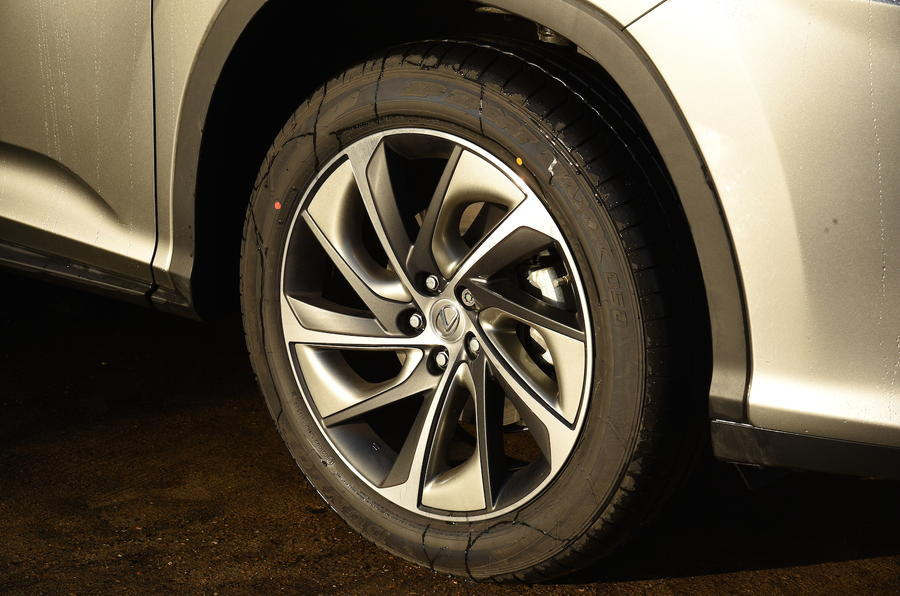Lexus RX450h Premier alloys