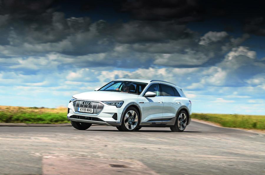 Audi E-tron cornering - front