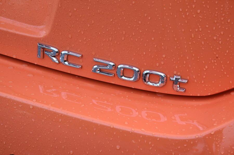 Lexus RC 200t badging