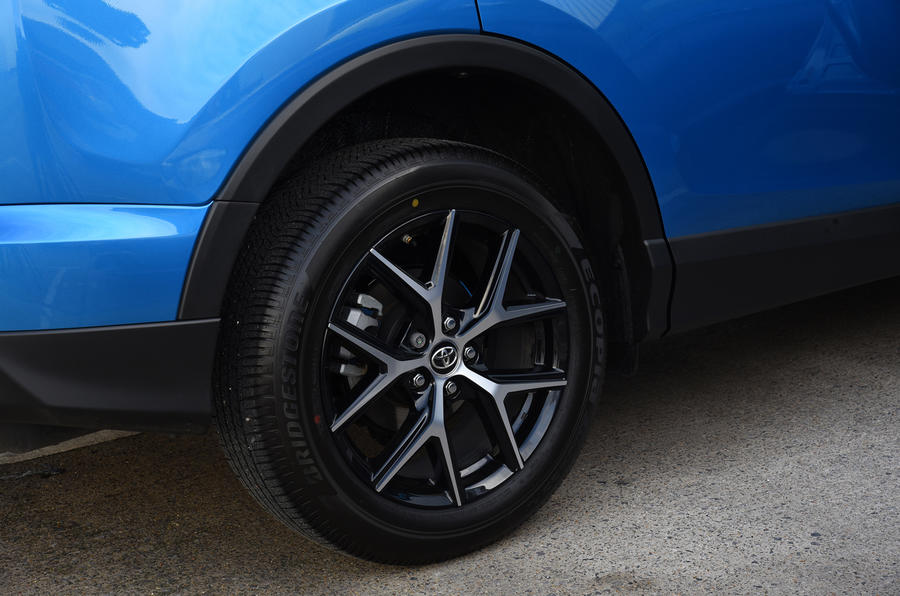 Toyota RAV4 black and silver alloys