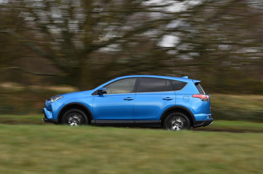 £26,995 Toyota RAV4