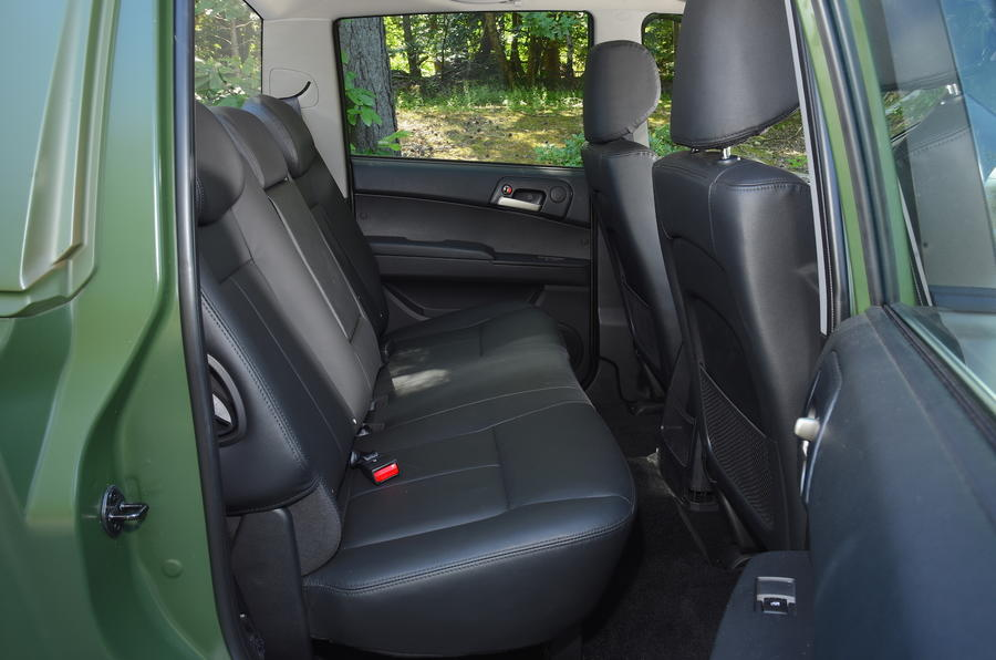Ssangyong Korando Sports DMZ rear seats