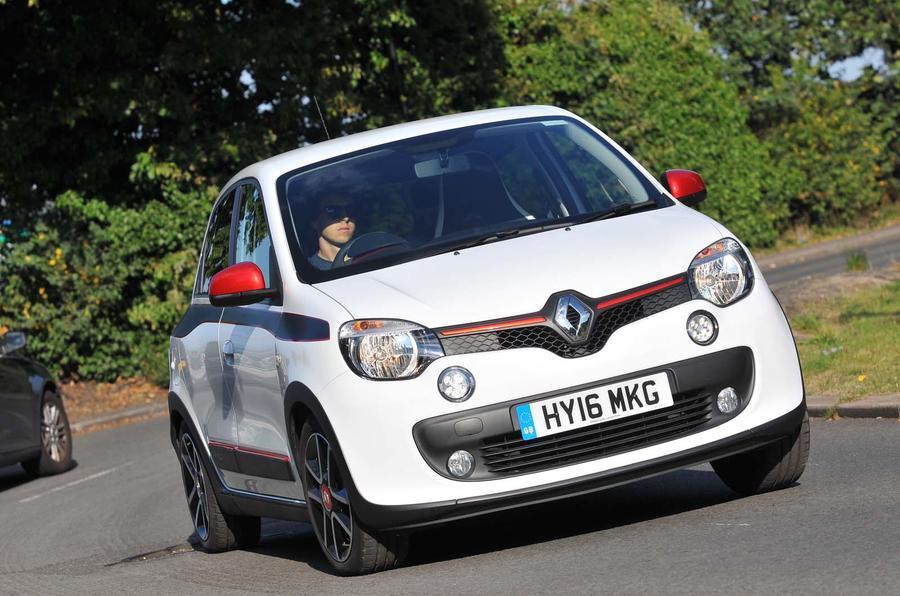 Renault Twingo cornering - front