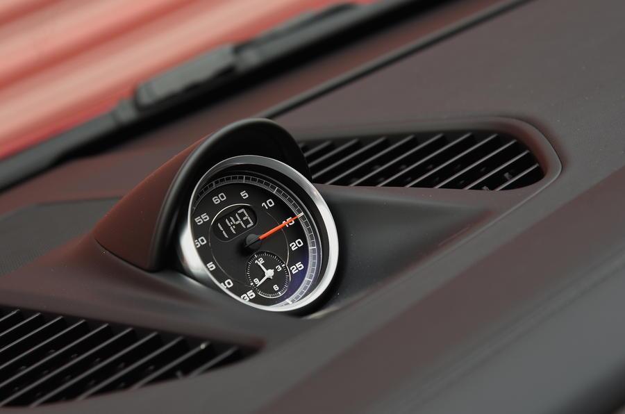 Porsche 911 Turbo S chronography