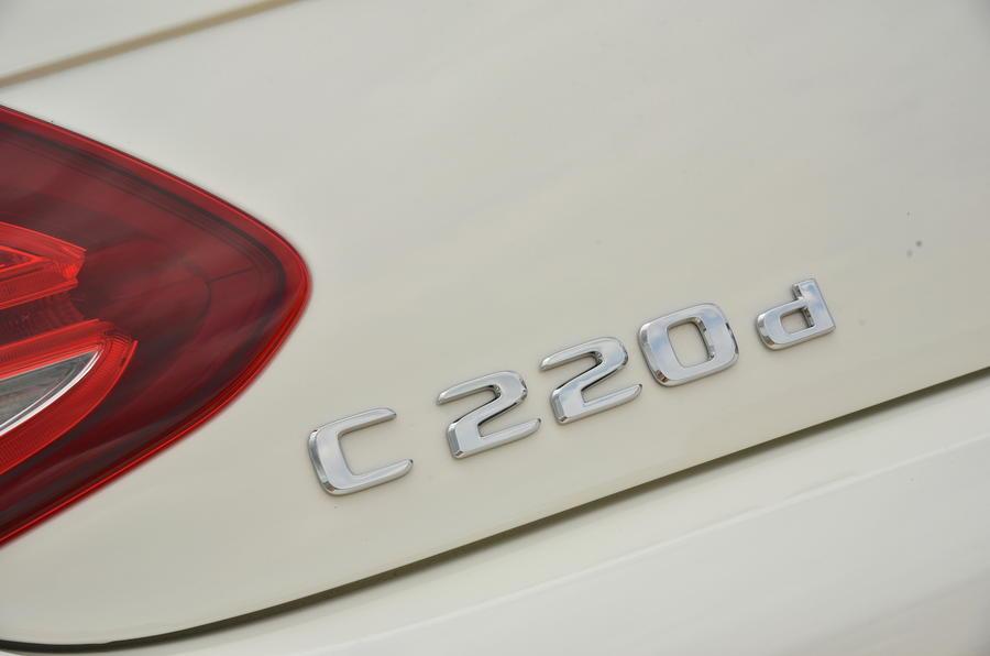 Mercedes-Benz C 220 d Cabriolet badging