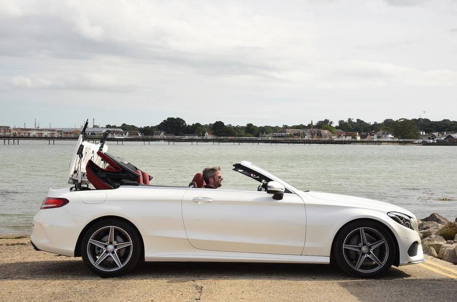 Mercedes-Benz C 220 d Cabriolet roof closing