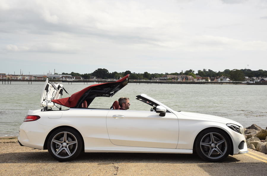 Mercedes-Benz C 220 d Cabriolet roof shutting