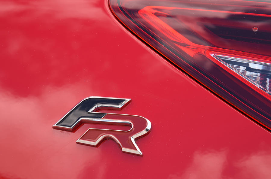 Seat Leon FR badge