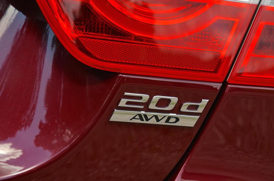 Jaguar XE 2.0d AWD badging