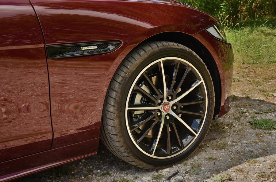 18in Jaguar XE R-Sport alloys