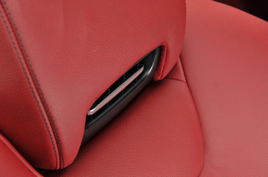 Mercedes-Benz airscarf system