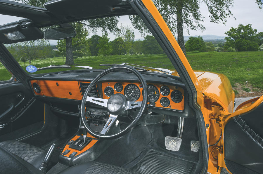 1972 Triumph Stag - dashboard