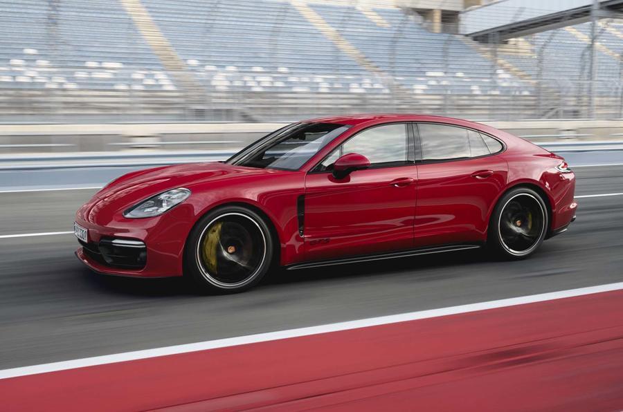 2016 - [Porsche] Panamera II - Page 14 Embargo_00_01_cest_16_october_2018_panamera_gts_ii_0