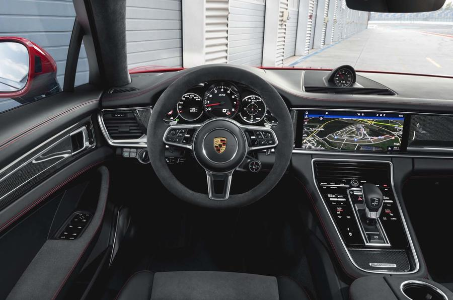2016 - [Porsche] Panamera II - Page 14 Embargo_00_01_cest_16_october_2018_panamera_gts_interior_0