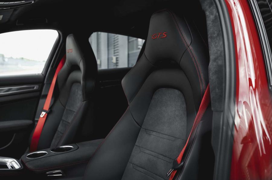 2016 - [Porsche] Panamera II - Page 14 Embargo_00_01_cest_16_october_2018_panamera_gts_seat_0