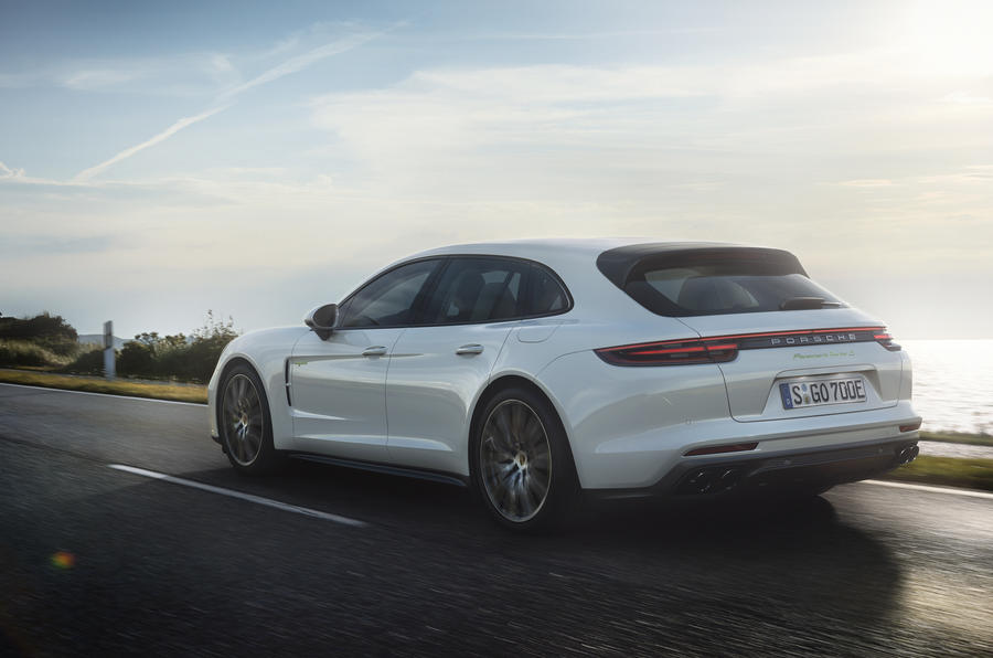 IMAGE(https://www.autocar.co.uk/sites/autocar.co.uk/files/styles/gallery_slide/public/images/car-reviews/first-drives/legacy/embargo_00_01_cest_26_septembe_2017_panamera_turbo_s_e_hybrid_sport_turismo_i.jpg)