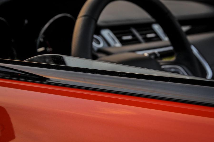 Land Rover Evoque Convertible rear windows