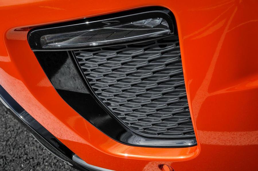 Land Rover Evoque Convertible front bumper