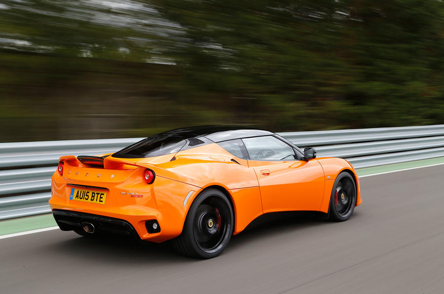 https://www.autocar.co.uk/sites/autocar.co.uk/files/styles/gallery_slide/public/images/car-reviews/first-drives/legacy/evora-400-ac-059.jpg?itok=0RBTqeP8