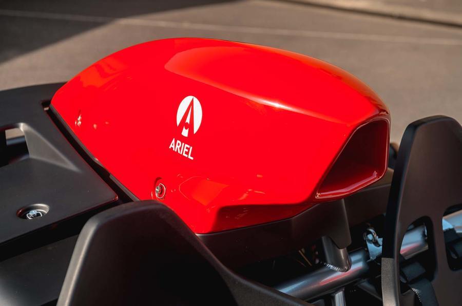 Ariel Atom 4 vs Ariel Ace