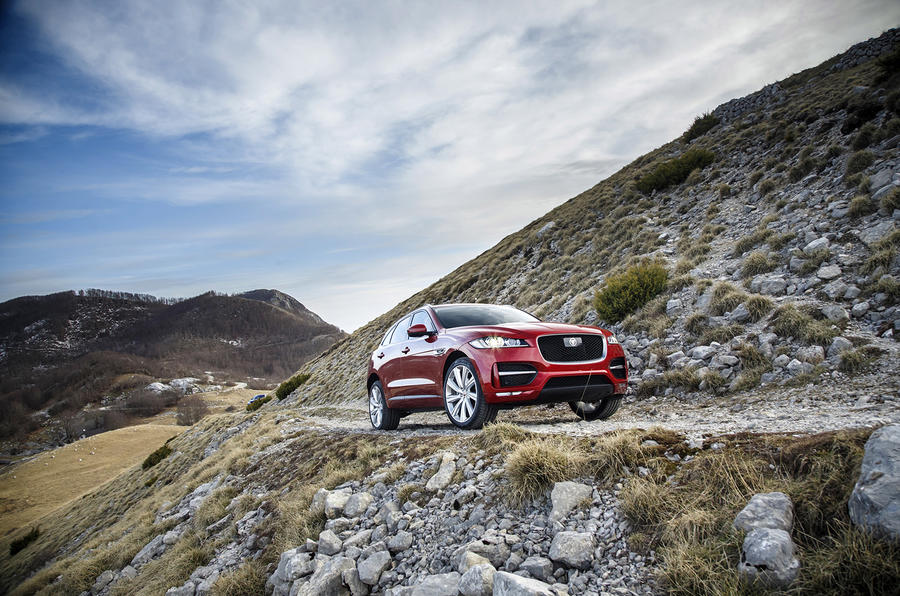 Diesel Jaguar F-Pace off-road