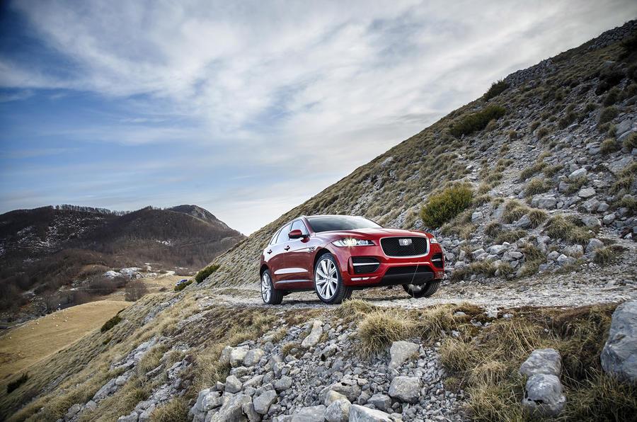 Diesel Jaguar F-Pace off-road