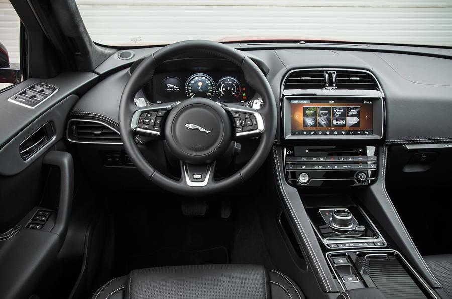 2016 jaguar f pace review review autocar for Interieur jaguar f pace