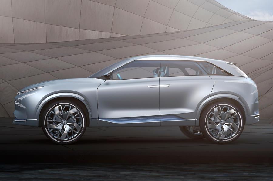 Futuristic Hyundai Fe Fuel Cell Concept Previews 2018