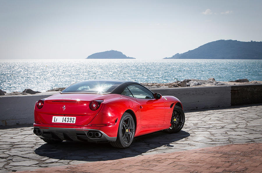Ferrari California T Handling Speciale roof up