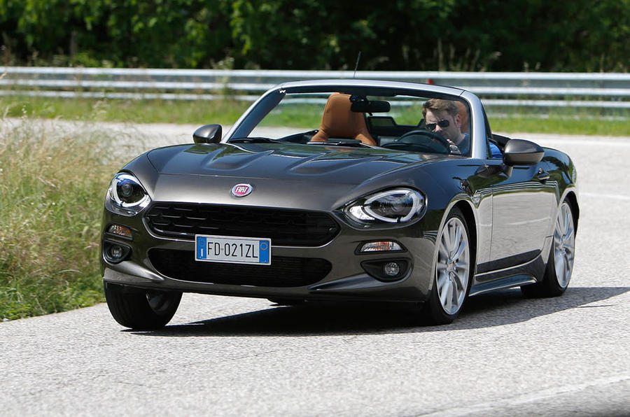 Fiat 124 Spider hard cornering