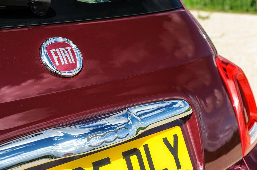 Fiat 500 badging