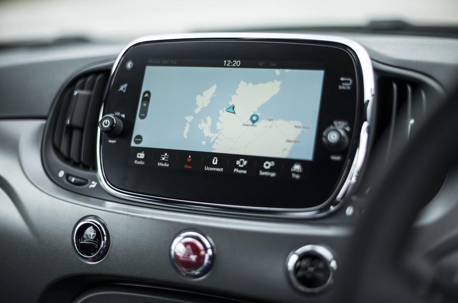 Fiat 500 1.2 - infotainment