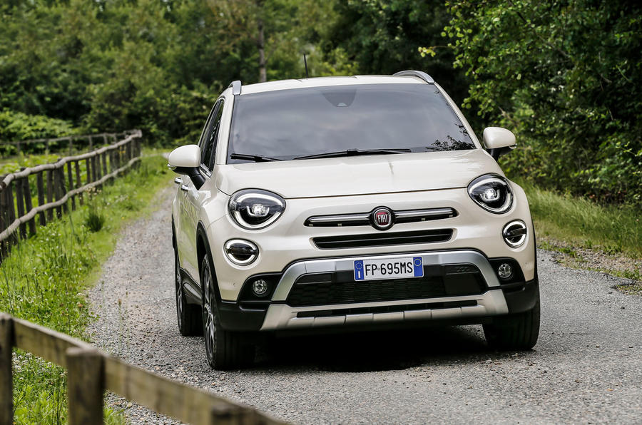 fiat-500-x-2018-action-front