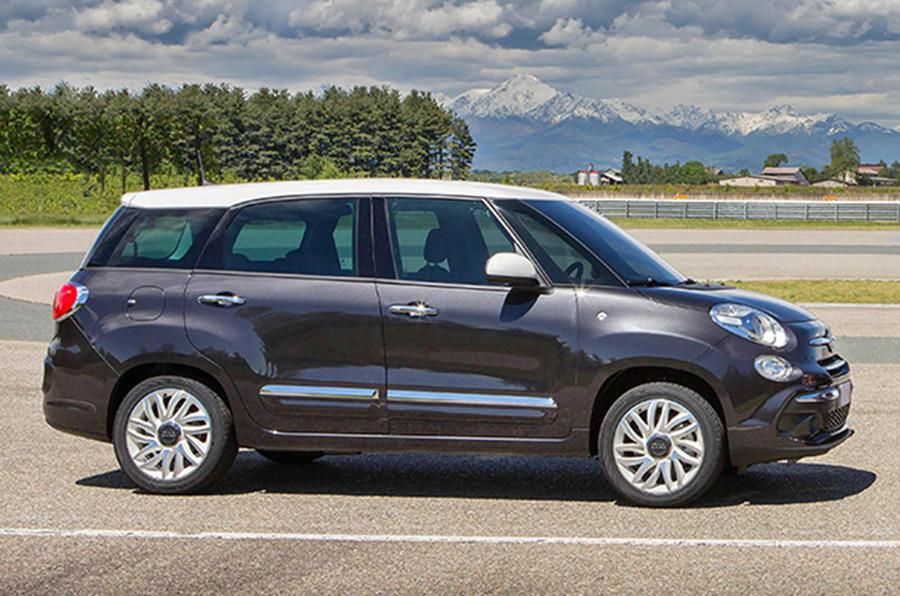 fiat 500l facelift revealed autocar. Black Bedroom Furniture Sets. Home Design Ideas